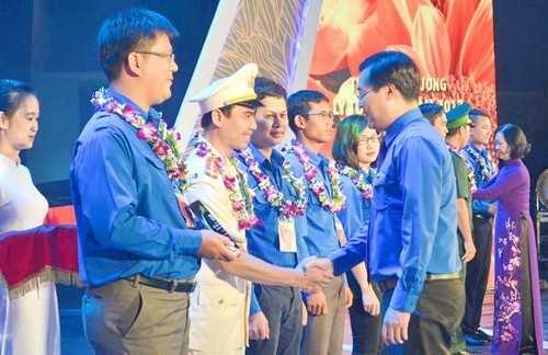 tw-14902850573 Tưng bừng kỷ niệm 86 năm thành lập Đoàn và vinh danh 87 gương cán bộ đoàn, đoàn viên