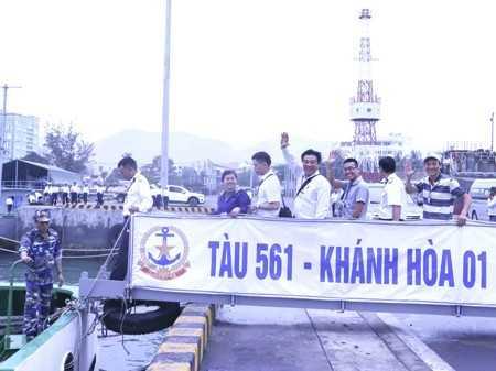 Một số thành viên của đoàn công tác Khánh Hòa