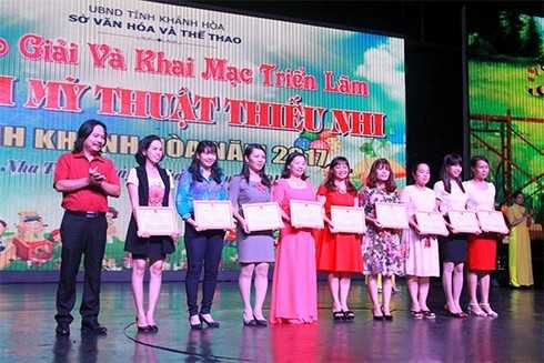 images5001478 MT2 - Giải thưởng Mỹ thuật thiếu nhi Khánh Hòa 2017: 75 tác phẩm được trao giải Vàng