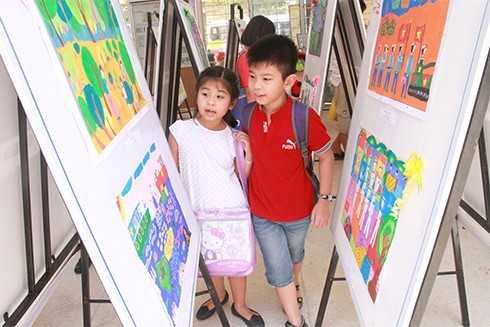 images5001480_MT3 Giải thưởng Mỹ thuật thiếu nhi Khánh Hòa 2017: 75 tác phẩm được trao giải Vàng