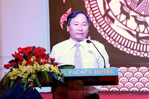 Ông Nguyễn Đắc Tài trả lời báo chí