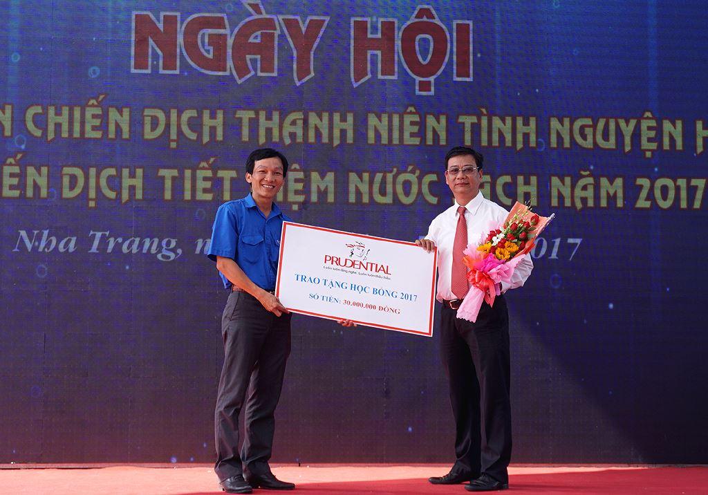 hocbong xmqt - Khánh Hòa ra quân Thanh niên tình nguyện, Tiết kiệm nước sạch