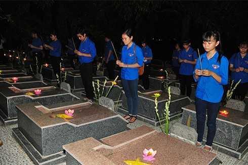 images5305263 APP 5860 - Lễ thắp nến tri ân các anh hùng liệt sĩ