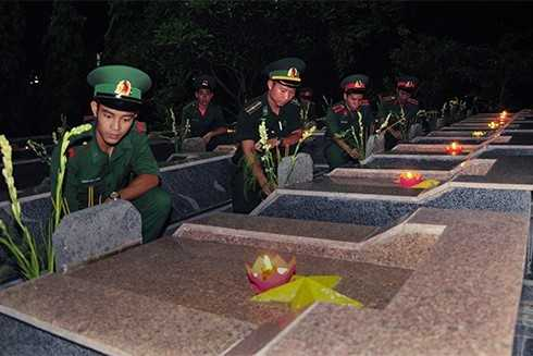 images5305264 APP 5869 - Lễ thắp nến tri ân các anh hùng liệt sĩ
