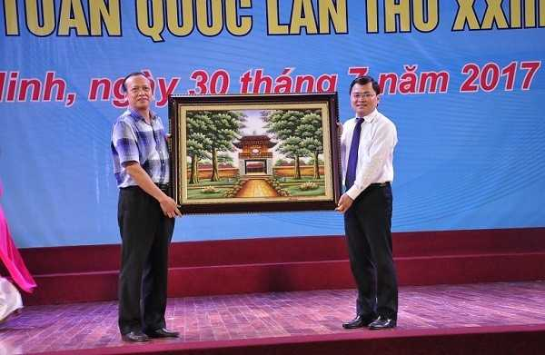 Tong ket Hoi thi Tin hoc tre toan quoc 2017 Trao qua luu niem 2 - Tổng hợp kết quả Hội thi Tin học trẻ toàn quốc năm 2017