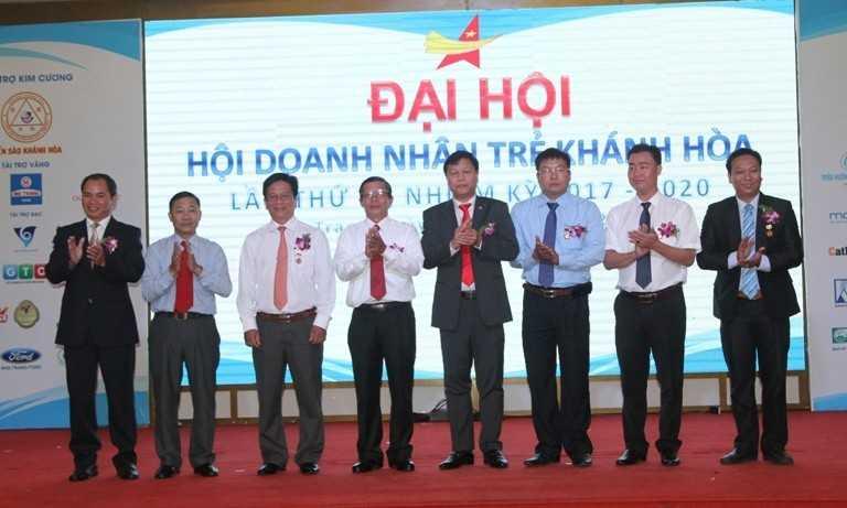 images5307863 H i doanh nh n tr  02 - Đại hội Hội doanh nhân trẻ Khánh Hòa nhiệm kỳ 2017-2020