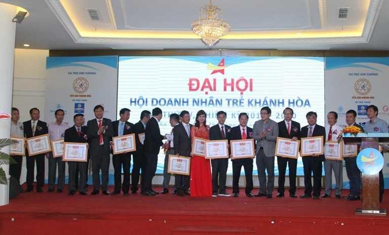 images5307865 H i doanh nh n tr  04 - Đại hội Hội doanh nhân trẻ Khánh Hòa nhiệm kỳ 2017-2020