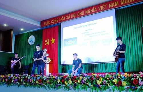 diem20giao20luu20 204 - Đêm hội kết nối - chào đón sinh viên K59  Định hướng nghề nghiệp, chia sẻ thông tin về học tập, rèn luyện và khởi nghiệp cho tân sinh viên K59.