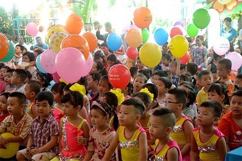 Các bé Trường Mầm non 3-2 vui trong Ngày hội đến trường.