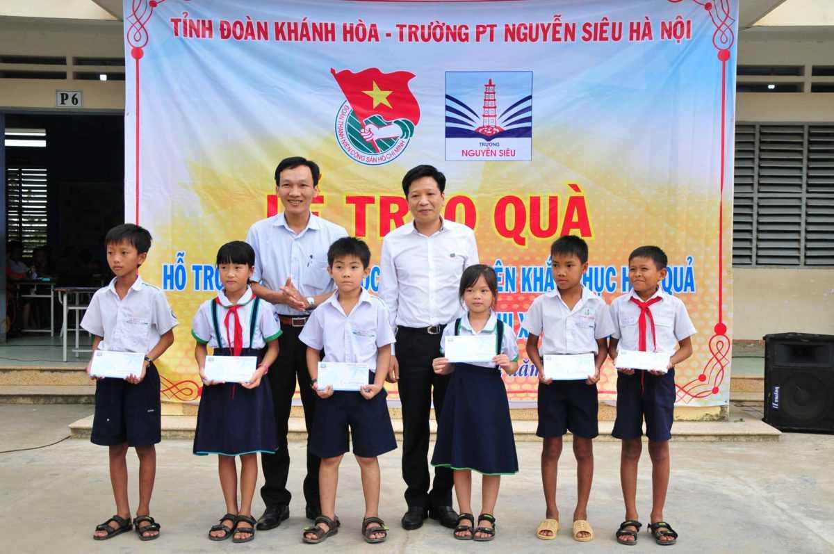 images5318374_APP_1450 Hỗ trợ hơn 317 triệu đồng khắc phục hậu quả bão số 12 tại Ninh Hòa