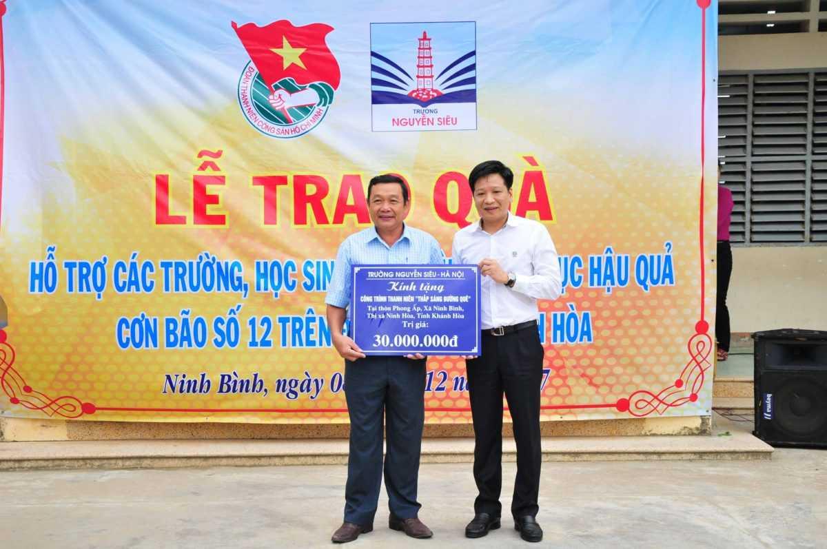 images5318375_APP_1442 Hỗ trợ hơn 317 triệu đồng khắc phục hậu quả bão số 12 tại Ninh Hòa