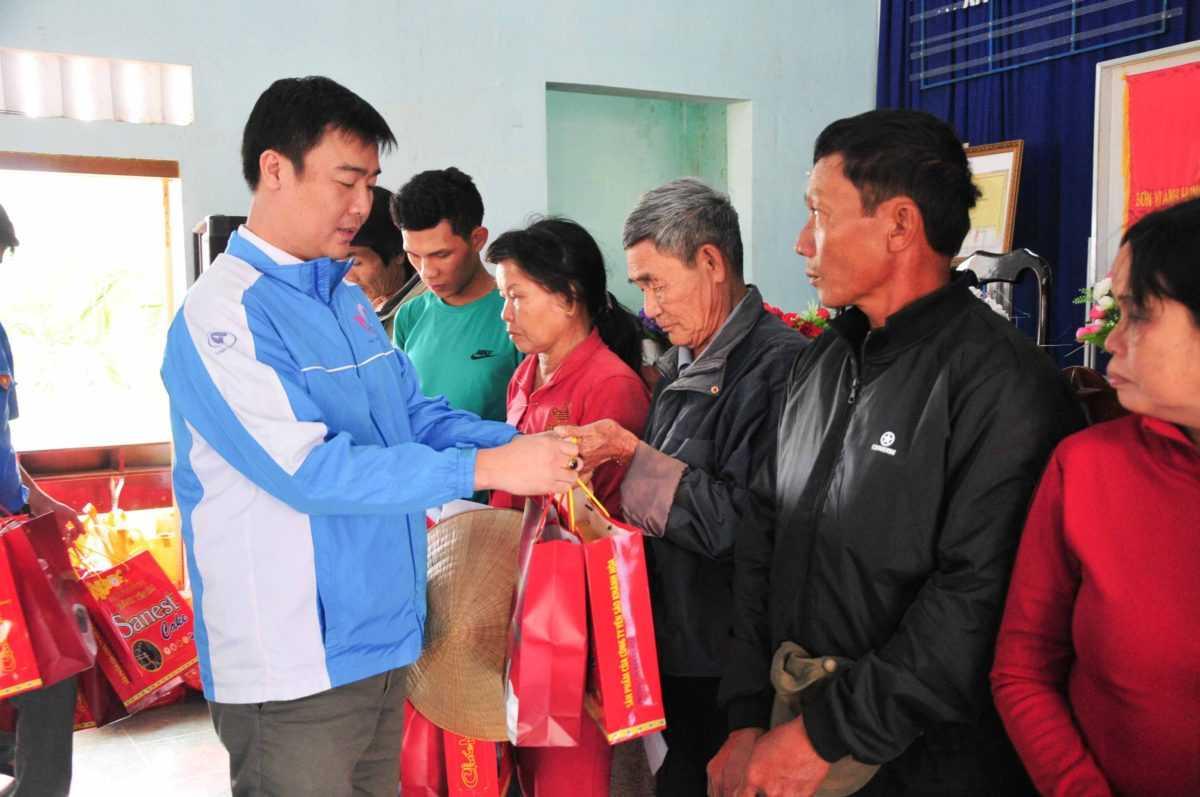 images 2018 02 doanh nghiep tang qua ninh quang images5324086 app 2684 c128f - Trao 50 phần quà cho người dân xã Ninh Quang
