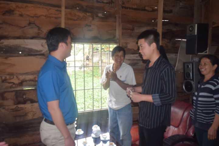 images 2018 02 tang qua thanh nien nhao ngu dsc 0168 ba821 - Tỉnh đoàn thăm, động viên và tặng quà cho các thanh niên trúng tuyển nghĩa vụ quân sự có hoàn cảnh khó khăn tại thành phố Cam Ranh