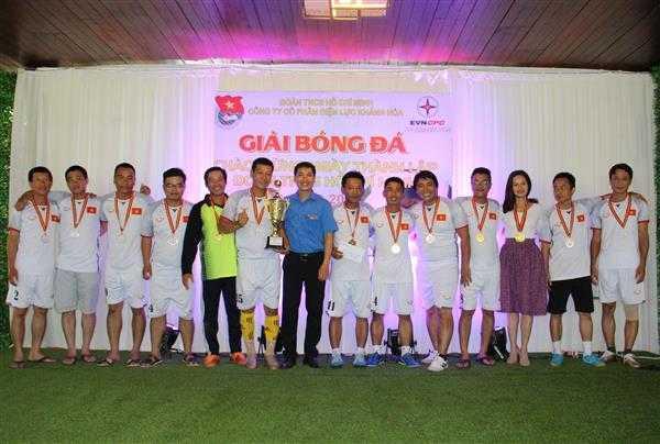 9e.Giai Nhat - Giải bóng đá mini Đoàn thanh niên Điện lực Khánh Hòa, đơn vị trực thuộc Đoàn khối Doanh nghiệp tỉnh