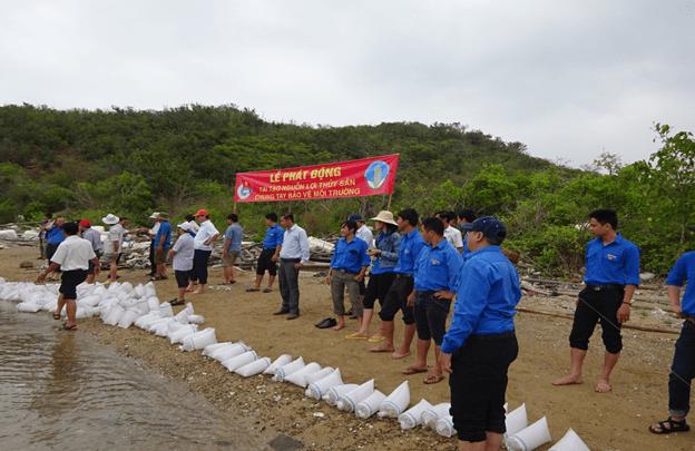 images 2018 04 tha ca tai dam nha phu image005 e008a - Ra quân bảo vệ môi trường, tái tạo nguồn lợi thủy sản năm 2018 tại Đầm Nha Phu