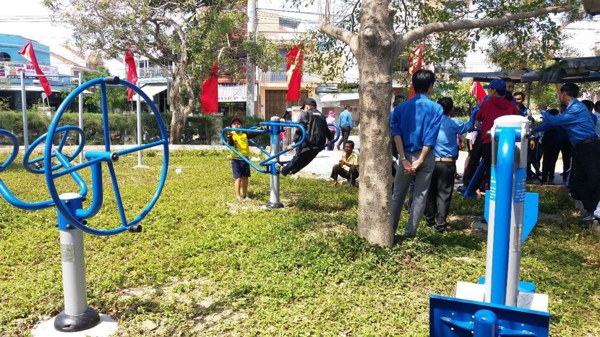 """n3 - Sôi nổi Ngày hội """"Tuổi trẻ Khánh Hòa vì biển, đảo quê hương"""" năm 2018 và khánh thành công trình thanh niên """"Khu thể dục thể thao cộng đồng"""