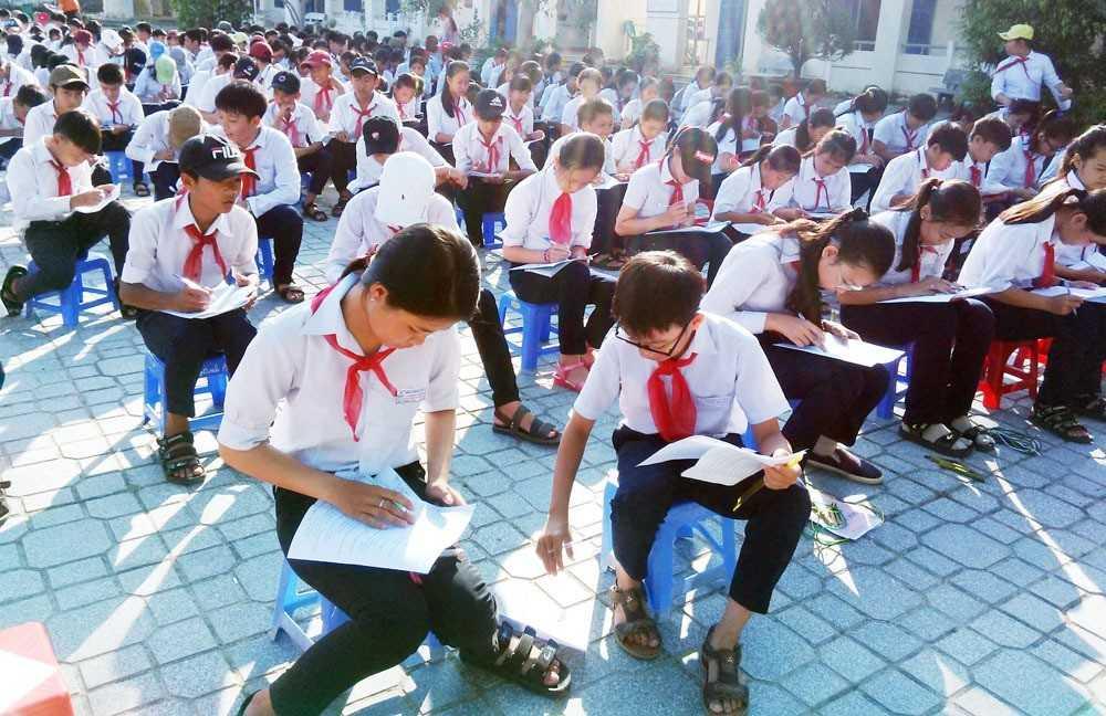 """images_2018_05_lien_doi_trinh_phong_cong_nhan_chuyen_hieu_nhan_thuc_1d2bd LIÊN ĐỘI THCS TRỊNH PHONG:  """"Ngày hội kiểm tra và công nhận chuyên hiệu"""" năm học: 2017 - 2018"""