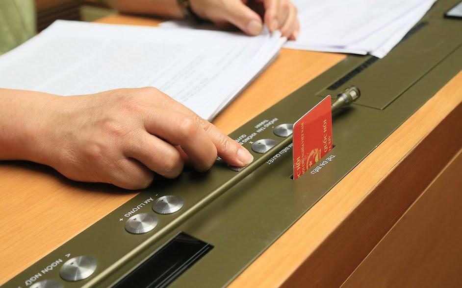vov bieu quyet jtky - Quốc hội biểu quyết thông qua Luật An ninh mạng