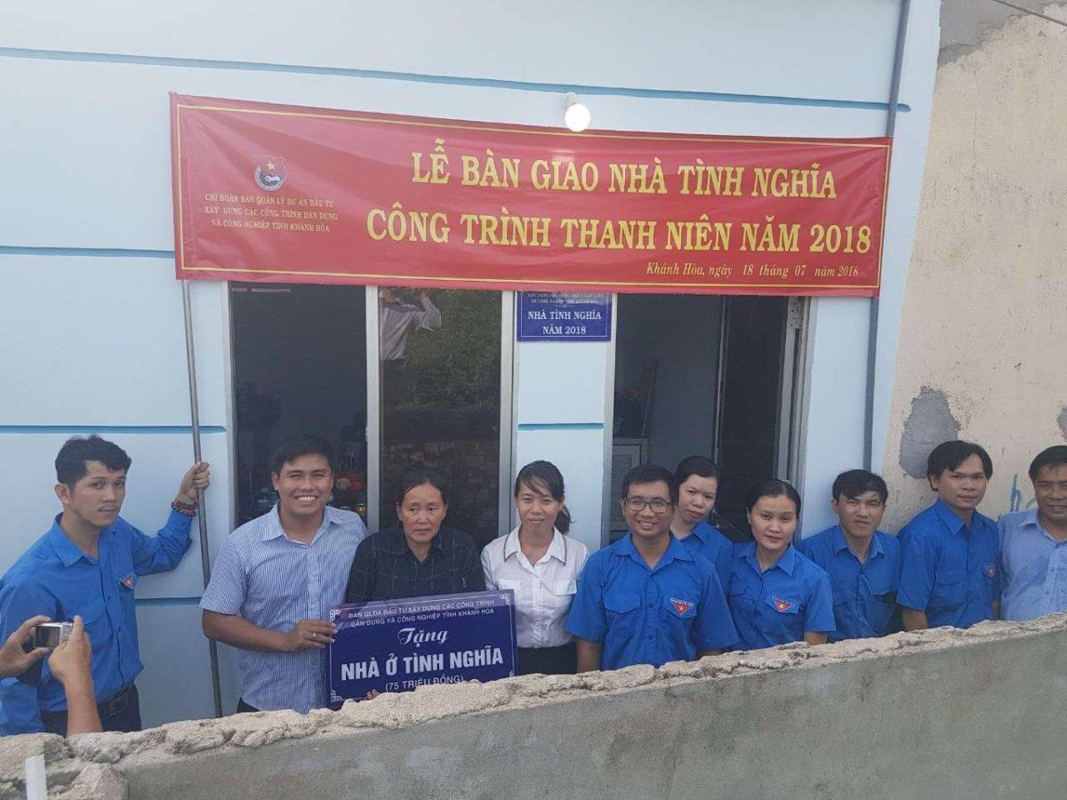 """1 1 - Bàn giao CTTN """"Xây dựng Nhà tình nghĩa""""  tại xã Vĩnh Hiệp, thành phố Nha Trang"""
