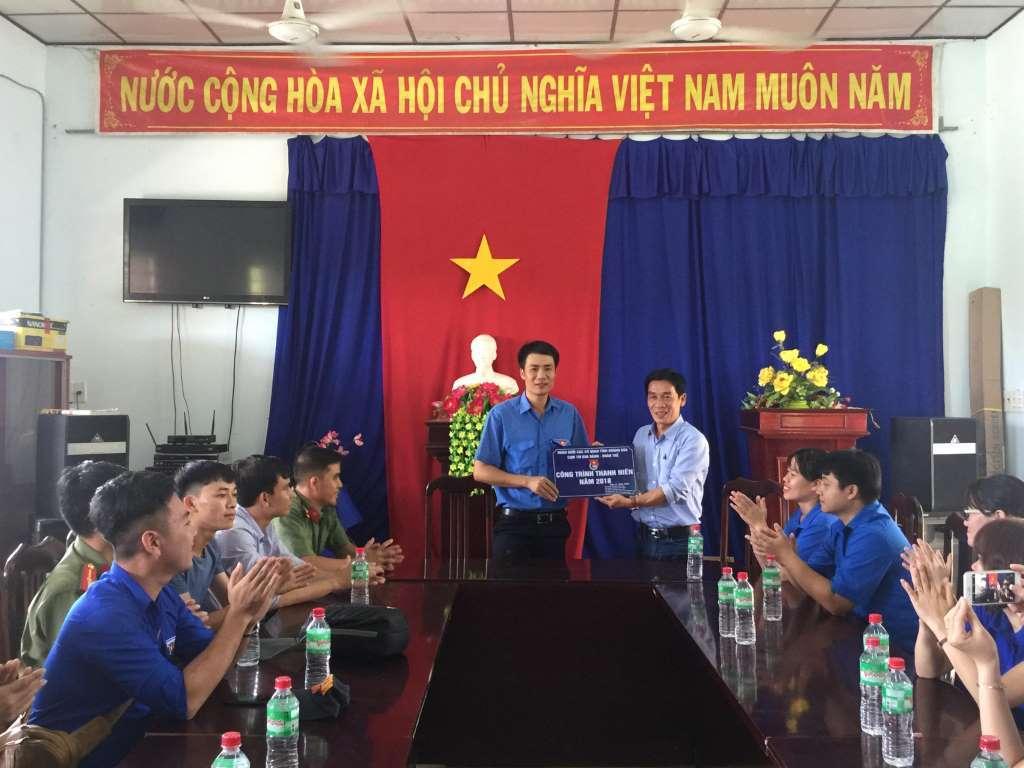 """Đoàn khối các cơ quan tỉnh: Khánh thành công trình thanh niên """"Xây nhà ăn bán trú"""""""