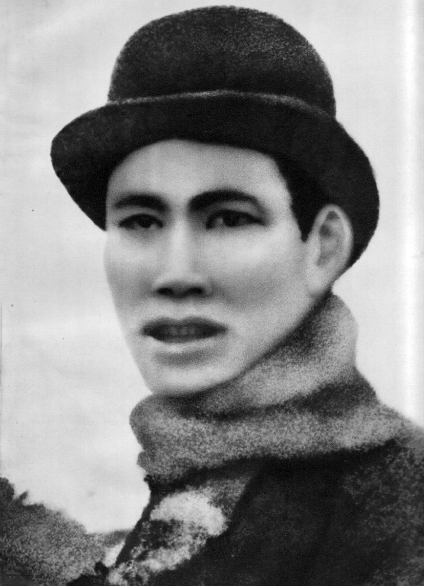 Nhà cách mạng Nguyễn Ái Quốc năm 30 tuổi, khi ở Pháp.