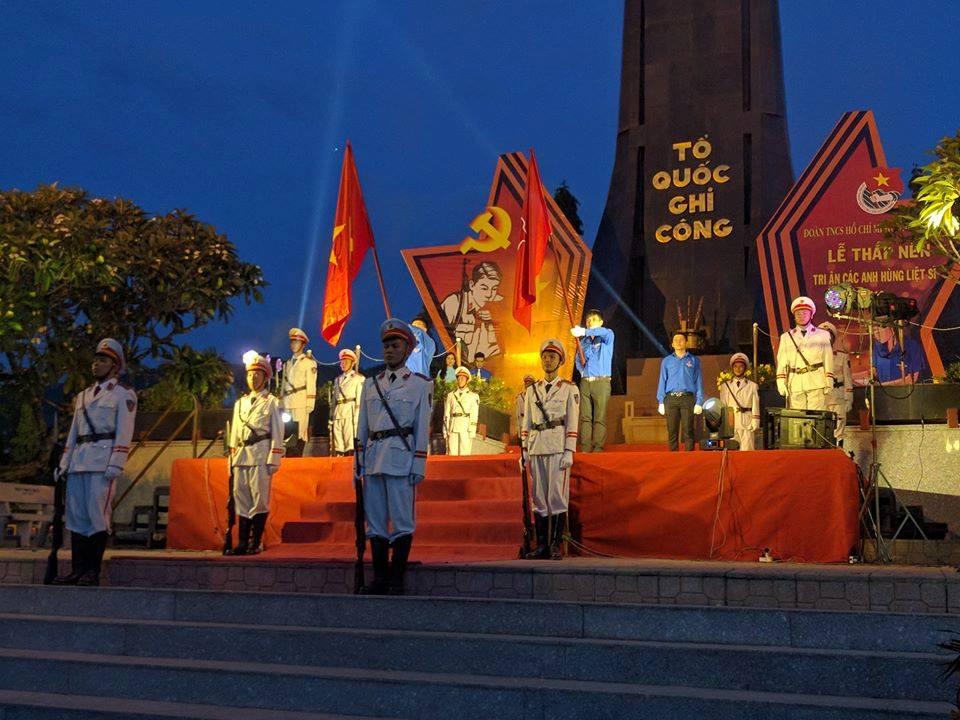 Tuổi trẻ Khánh Hòa thắp nến tri ân các Anh hùng Liệt sĩ năm 2018