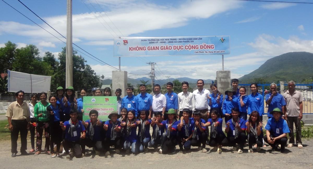 Đội thanh niên tình nguyện hè ĐH Nha Trang 2018