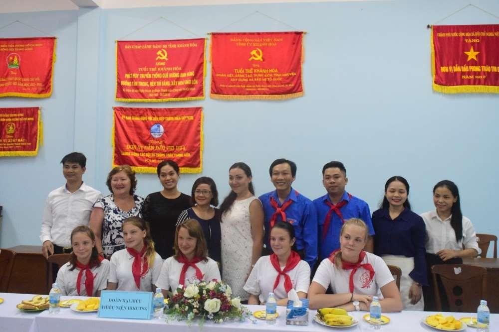 Tỉnh đoàn - Hội đồng Đội tỉnh gặp mặt thân mật đoàn đại biểu thiếu nhi Liên Bang Nga