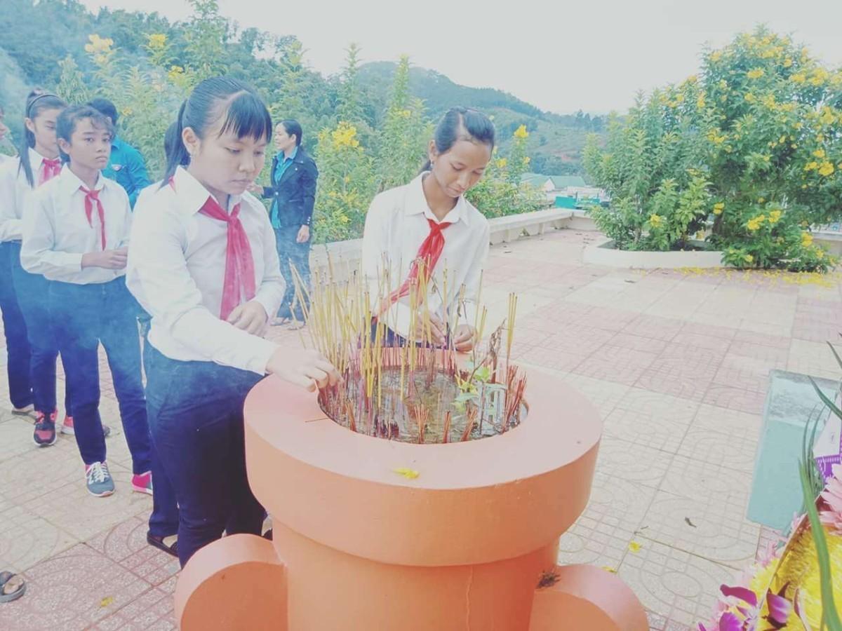 image003 4 - Đại hội Cháu ngoan Bác Hồ huyện Khánh Sơn năm học 2017 - 2018