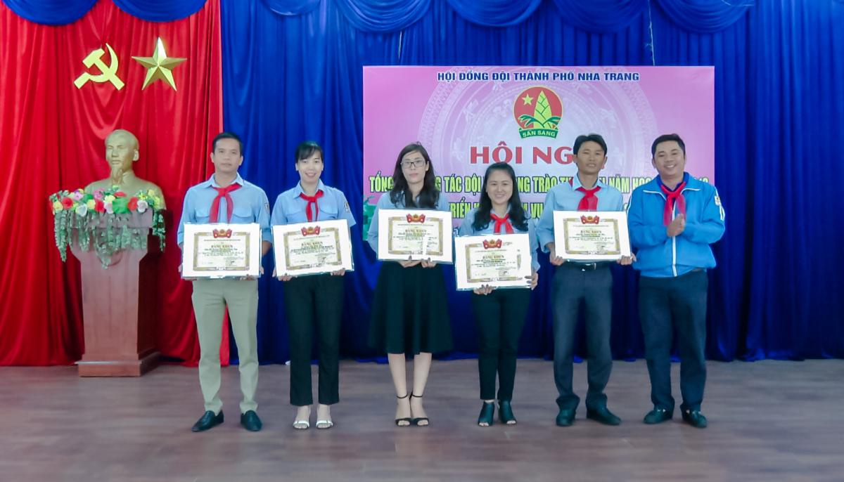 12.09.18 THONG2 - Hội đồng Đội thành phố Nha Trang tổng kết công tác Đội và phong trào thiếu nhi năm học 2017-2018