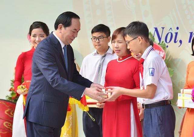 ctn tran dai quang gui thu chuc mung nam hoc moi  15375186048901964445727 - Hình ảnh Chủ tịch nước Trần Đại Quang trong những sự kiện nổi bật