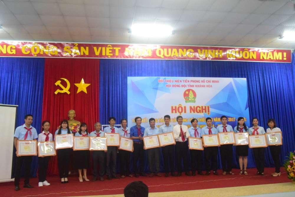 078 - 34 tập thể, cá nhân được Hội đồng Đội Trung ương khen thưởng