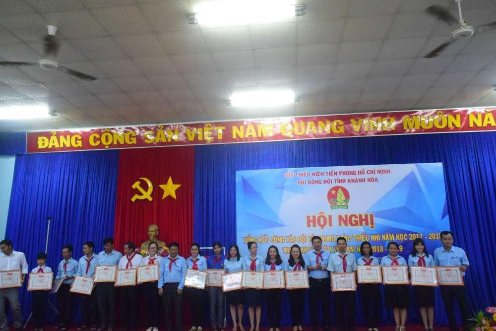 081 - 34 tập thể, cá nhân được Hội đồng Đội Trung ương khen thưởng