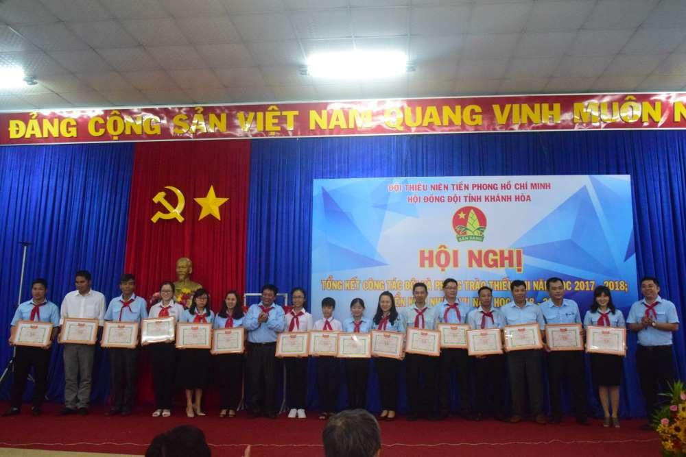 082 - 34 tập thể, cá nhân được Hội đồng Đội Trung ương khen thưởng