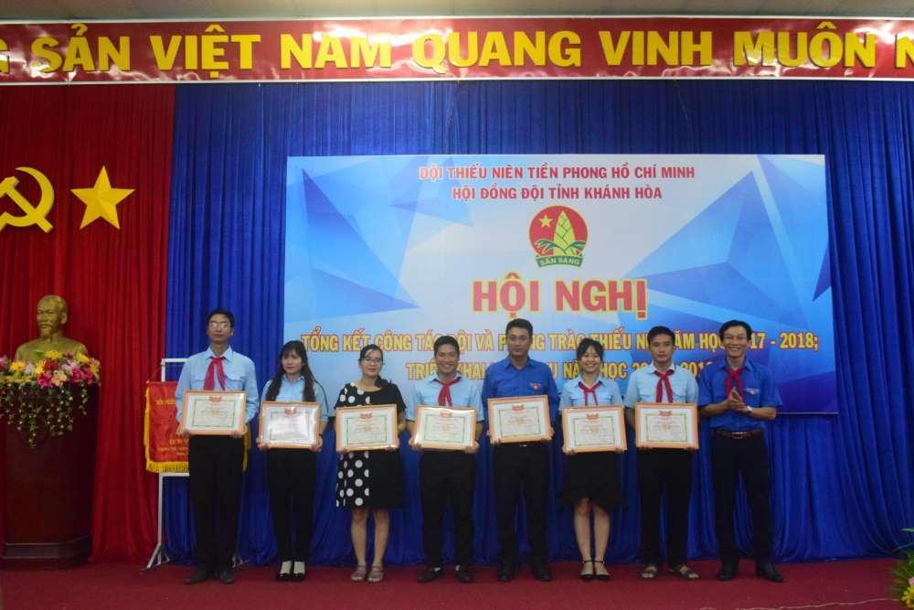 084 - 34 tập thể, cá nhân được Hội đồng Đội Trung ương khen thưởng
