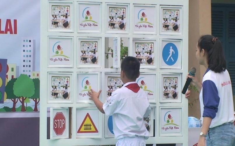 """image013 - DIÊN KHÁNH: Ngoại khóa """"Vui học an toàn giao thông"""""""