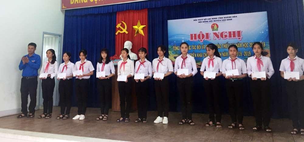 img 1538397321717 1538397742994 - VẠN NINH: Tổng kết công tác Đội và Phong trào thiếu nhi năm học 2017 - 2018