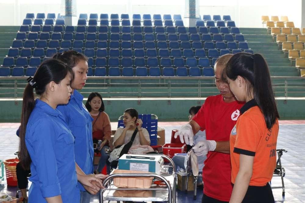 mg 8753 - Đoàn trường CĐSP Trung ương Nha Trang: Hiến máu tình nguyện lần thứ nhất năm học 2018 - 2019
