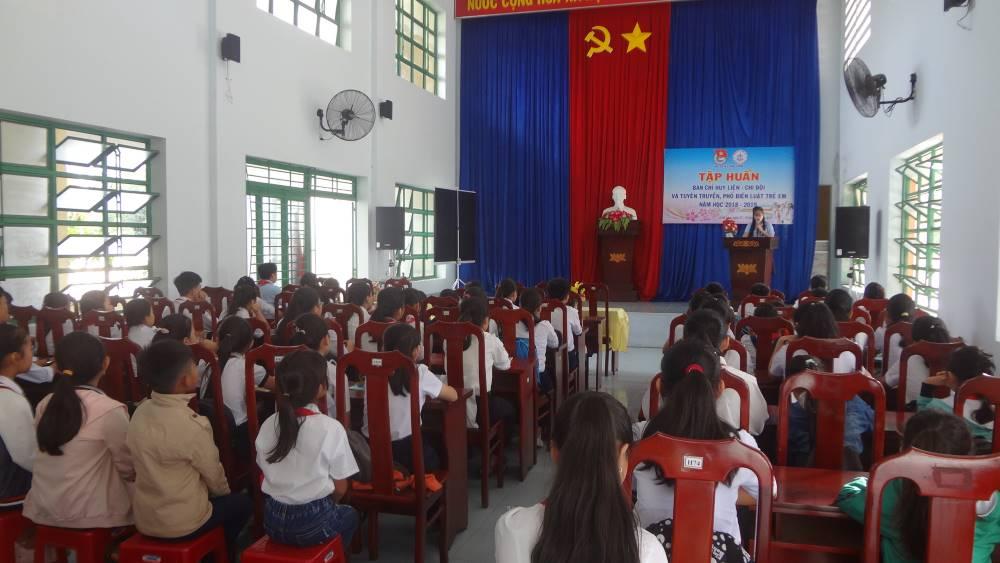 CAM LÂM:  Lớp tập huấn Ban Chỉ huy Liên, Chi đội các trường TH, THCS 3