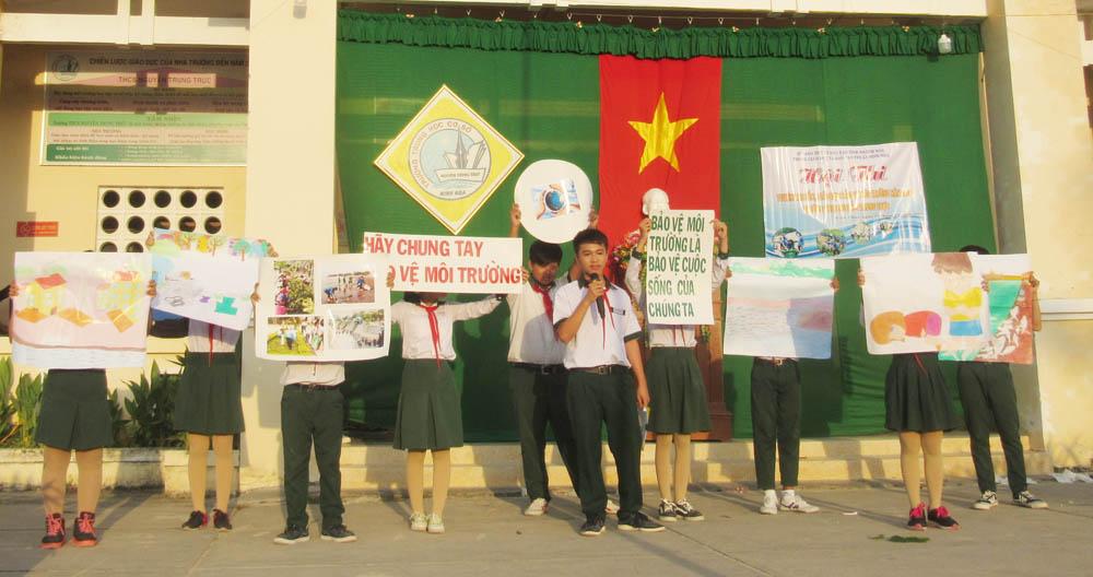"""6 - Liên đội trường THCS Nguyễn Trung Trực: Hội thi """"Tuyên truyền, giáo dục bảo vệ môi trường"""""""