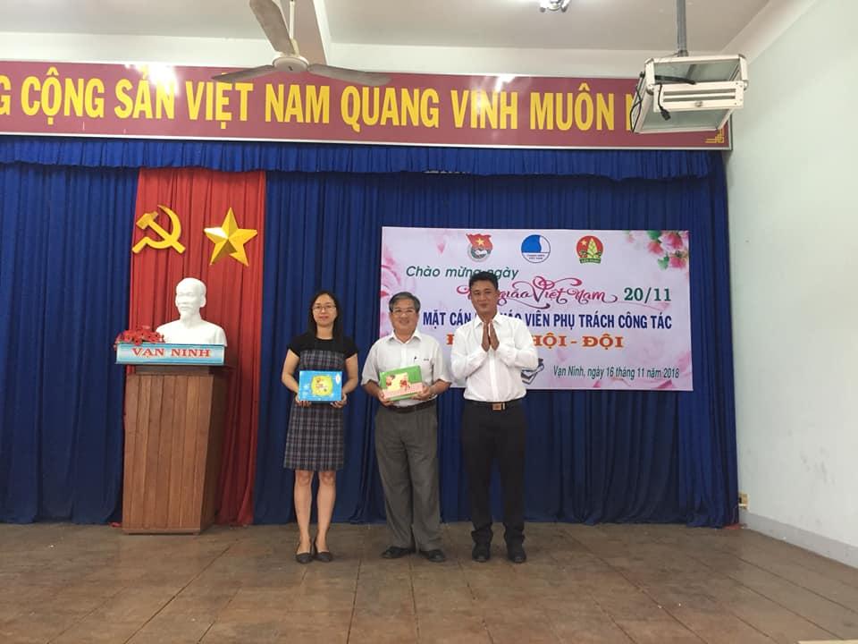 Tọa đàm gặp gỡ giáo viên phụ trách công tác Đoàn - Hội - Đội huyện Vạn Ninh 1