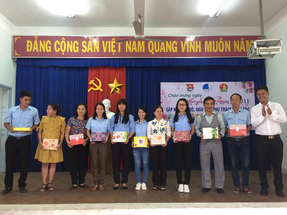 Tọa đàm gặp gỡ giáo viên phụ trách công tác Đoàn - Hội - Đội huyện Vạn Ninh 2
