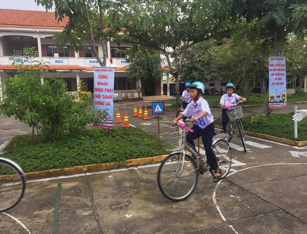 """DIÊN KHÁNH: """"An toàn giao thông cho nụ cười trẻ thơ"""" tại Trường Tiểu học Diên Điền 2"""