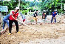 Sinh viên Trường Cao đẳng Sư phạm Trung ương Nha Trang tham gia chiến dịch Mùa hè xanh tại huyện Khánh Vĩnh.