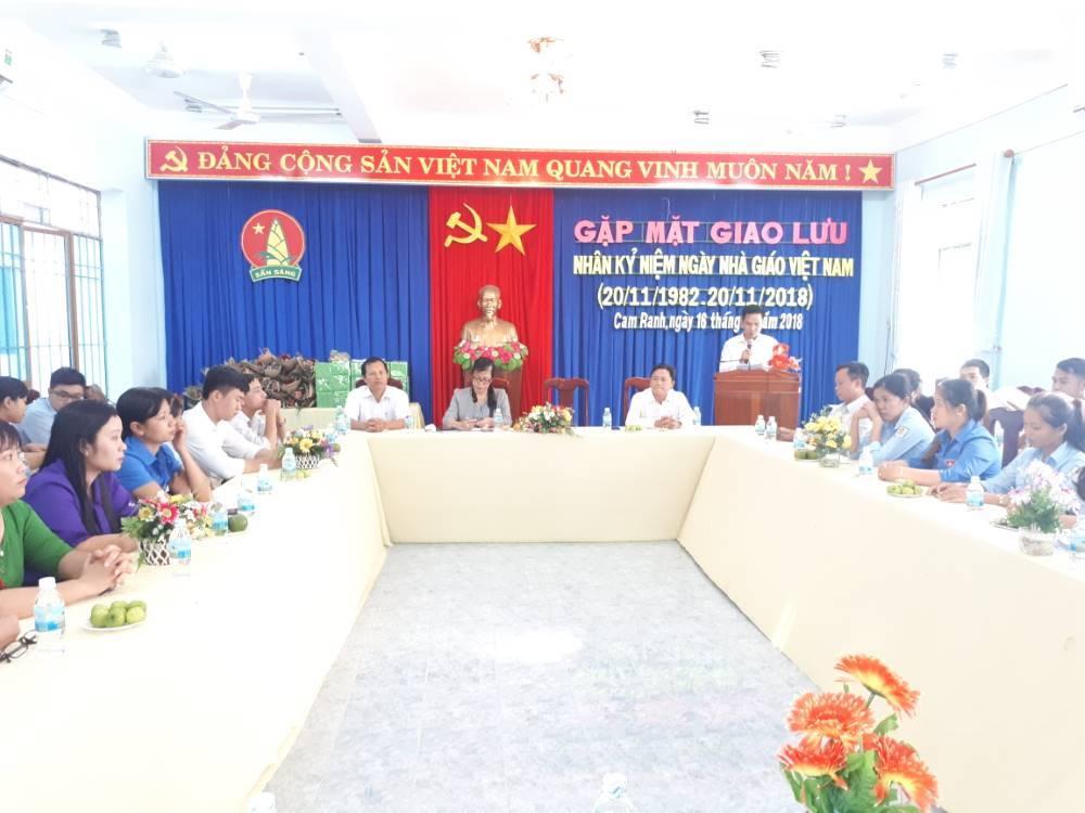 CAM RANH: Giao lưu, toạ đàm gặp mặt giáo viên tổng phụ trách Đội nhân ngày nhà giáo Việt Nam 3