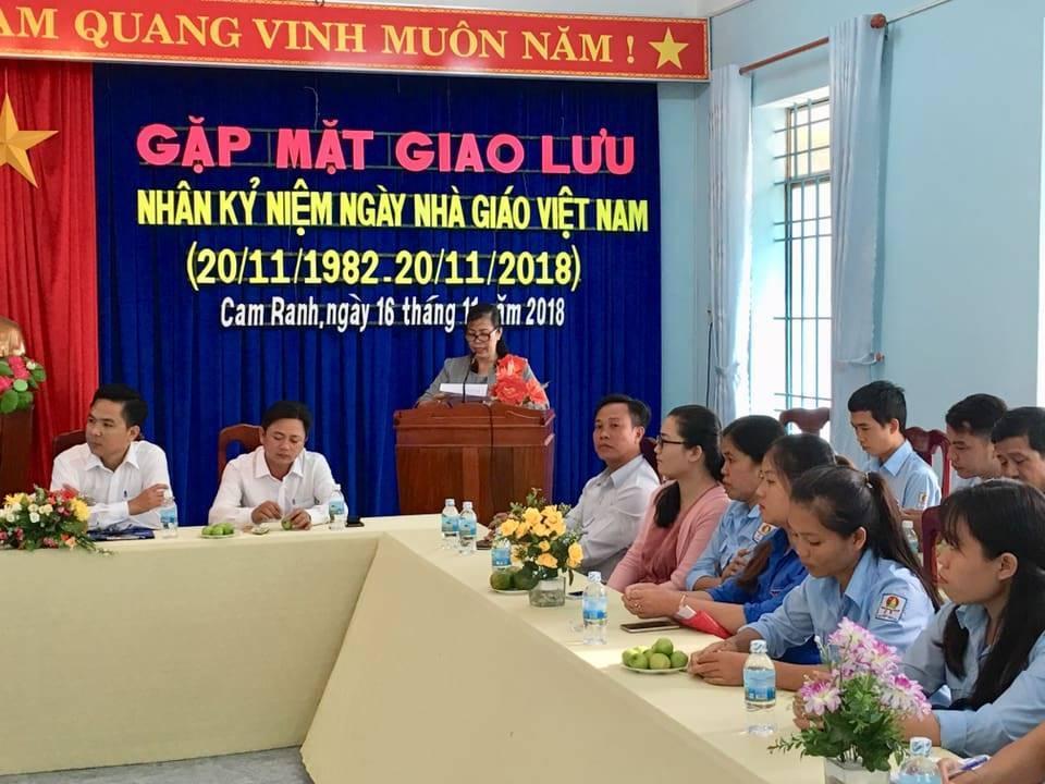 CAM RANH: Giao lưu, toạ đàm gặp mặt giáo viên tổng phụ trách Đội nhân ngày nhà giáo Việt Nam 4