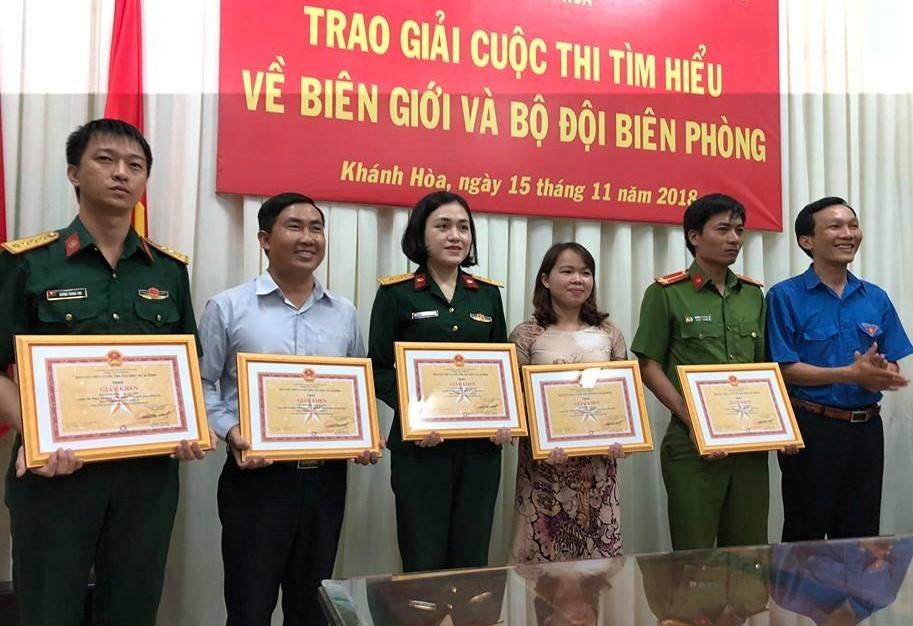 """Trao giải Cuộc thi """"Tìm hiểu về biên giới và Bộ đội Biên phòng"""" 4"""