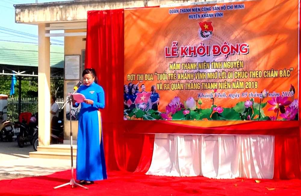 Đ/c Cao Thị Ngọc Thanh bí thư huyện đoàn Khánh Vĩnh Phát biểu khởi động tháng thanh