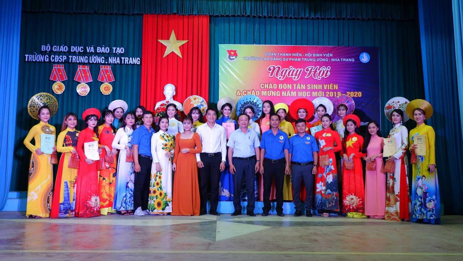 TRƯỜNG CĐSP TRUNG ƯƠNG NHA TRANG: Dạ hội chào tân sinh viên và chào mừng Năm học mới 2019 - 2020 1