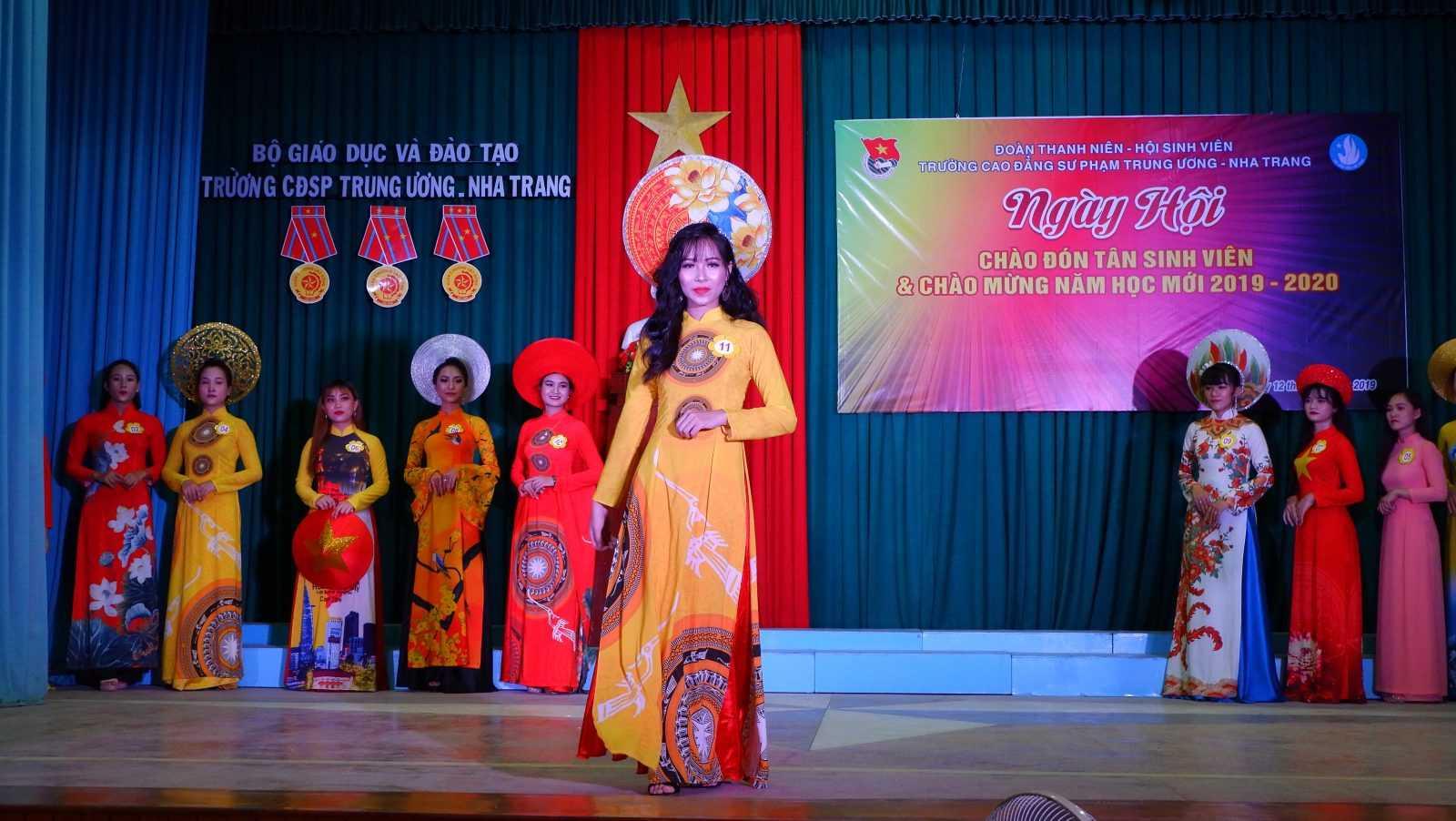 TRƯỜNG CĐSP TRUNG ƯƠNG NHA TRANG: Dạ hội chào tân sinh viên và chào mừng Năm học mới 2019 - 2020 11